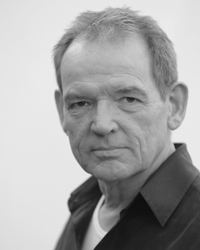"David Schofield plays ""Donovan"""