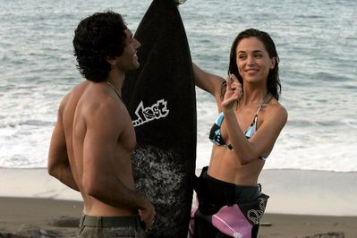 "Eliza Dushku as ""Erica"" and Jose Casasús as ""Novio"""